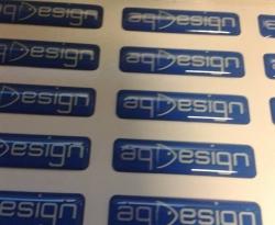 Adesivi ed etichette resinate aqdesign